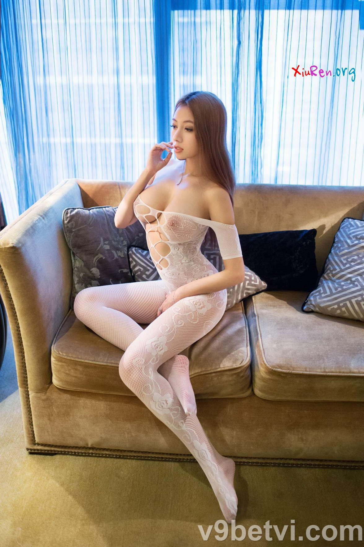 Em gái Thái Lan khỏa thân khoe vòng 1 siêu khủng (Không che)