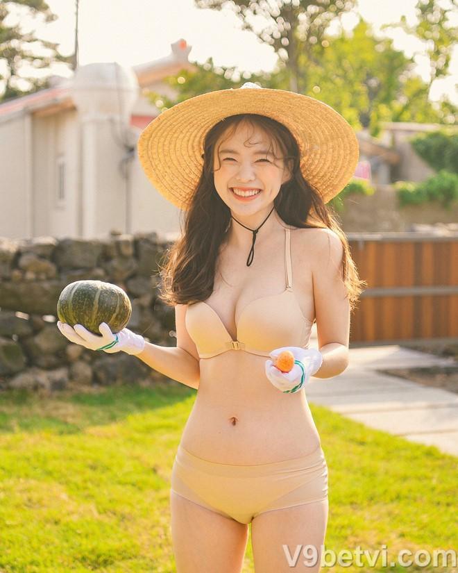 Bộ ảnh gái đẹp Hàn Quốc khoe nội y nóng bỏng mắt người xem