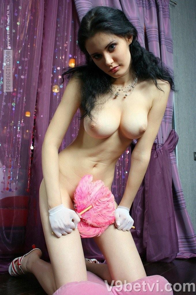 Bộ ảnh khỏa thân 100% của hoa hậu NGA thấy rõ núm vếu [Full]