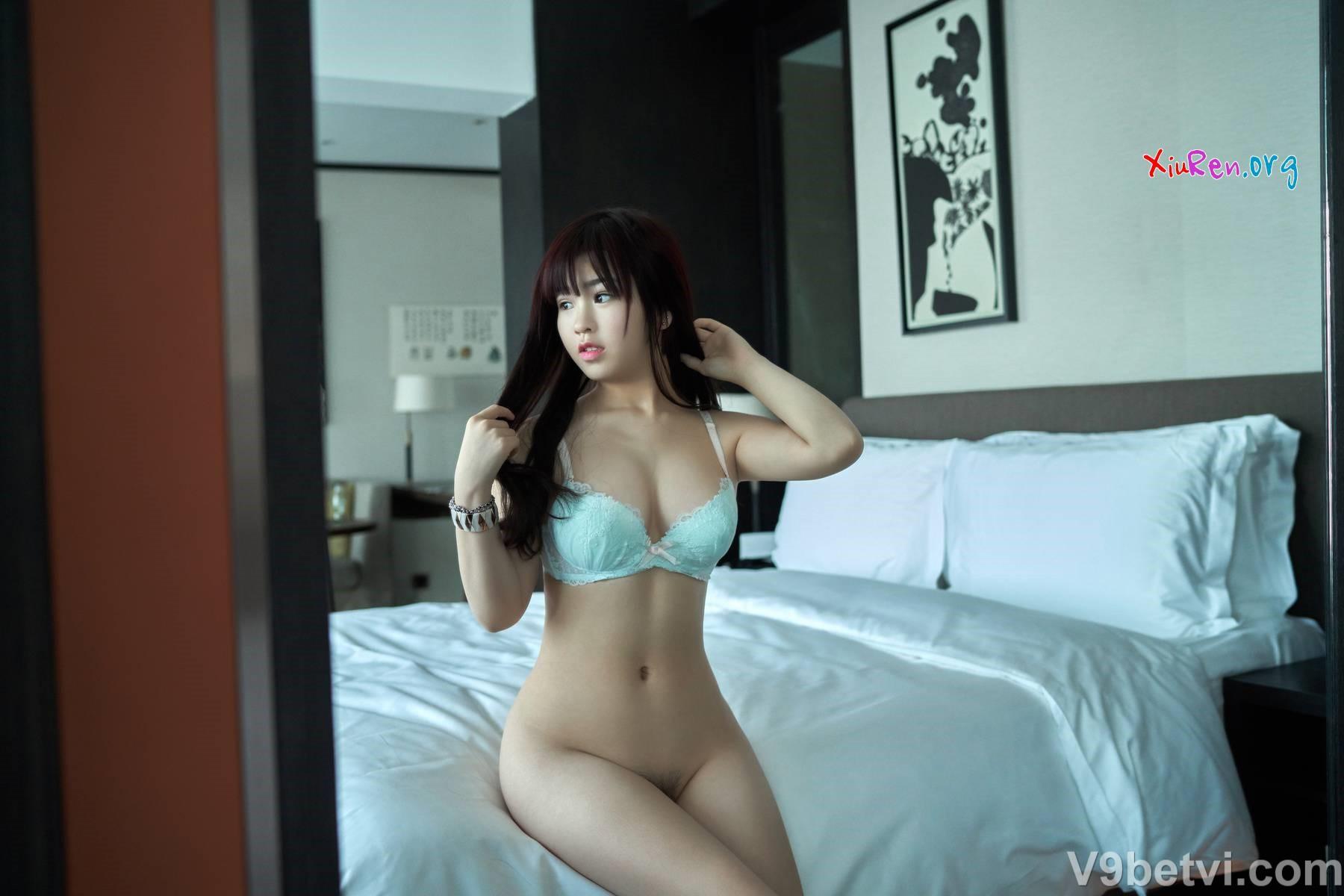 Ảnh người mẫu Trung Quốc khỏa thân tạo dáng siêu gợi cảm