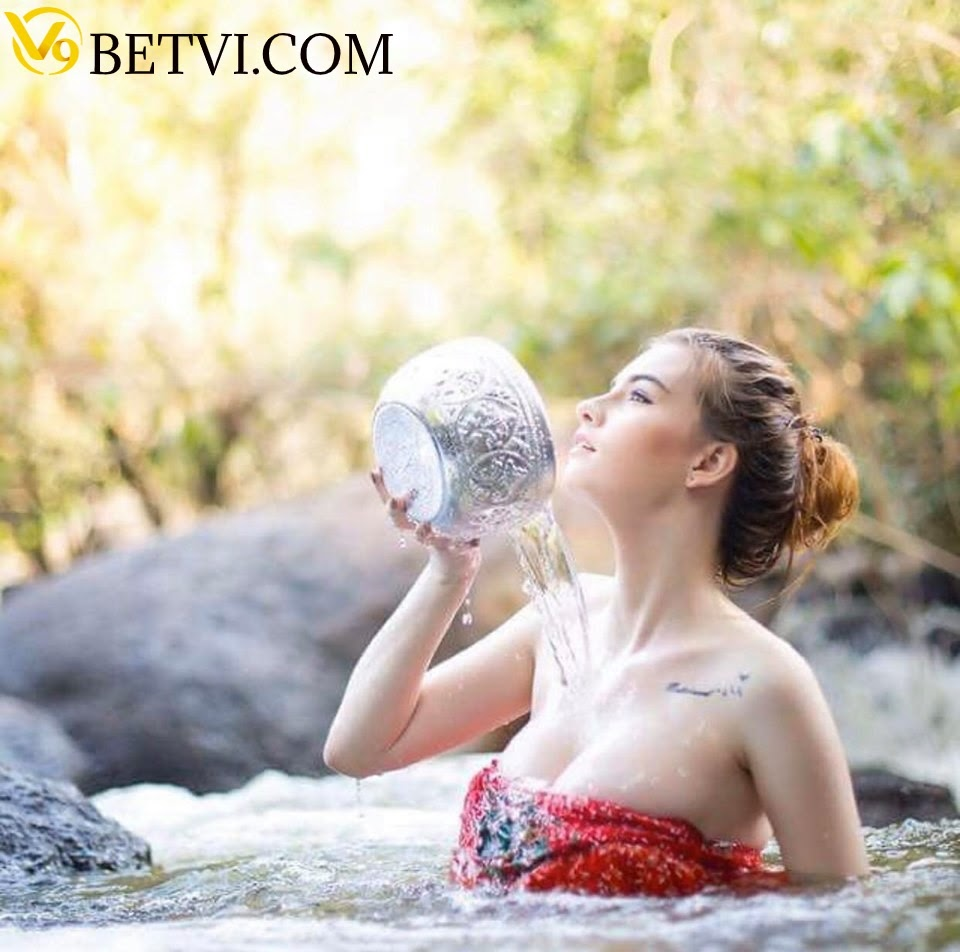 gái xinh tắm tiên